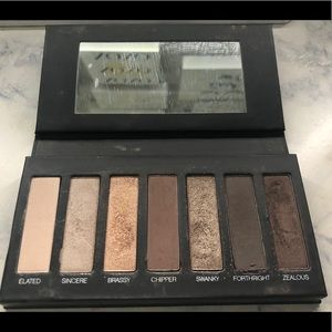 Younique palette 1